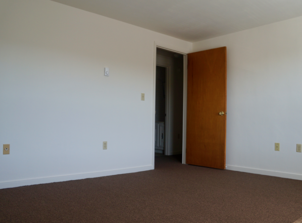 Forest Hills 2 Bedroom Room 1