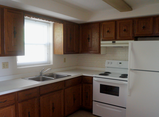 Forest Hills apartments 2 bedroom unit kitchen