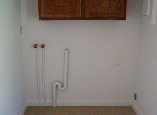 Forest Hills, two bedroom washer/dryer hook-up